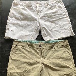 Lot of 2 pairs of shorts Gap Merona 10